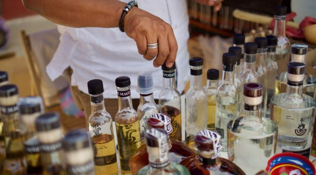 Mezcal vs Tequila, The Difference Between the Two